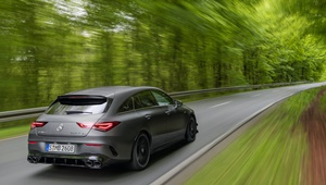 CLA Shooting Brake in Fahrt