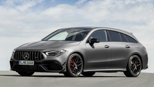 CLA Shooting Brake stehend